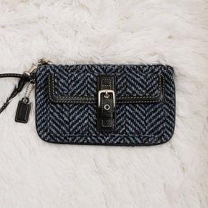 COACH - Chevron Wool Blue/Black Wristlet